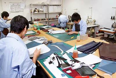Handbag factory sample making department in China