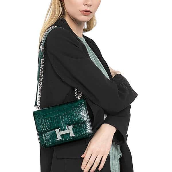 Designer fashion handbag with accordion side (5)